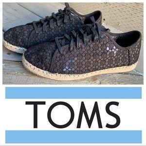 Toms crochet lace-ups